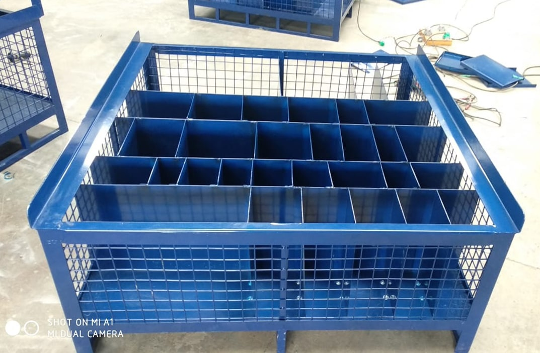 Metal Cage Pallet with Compartment